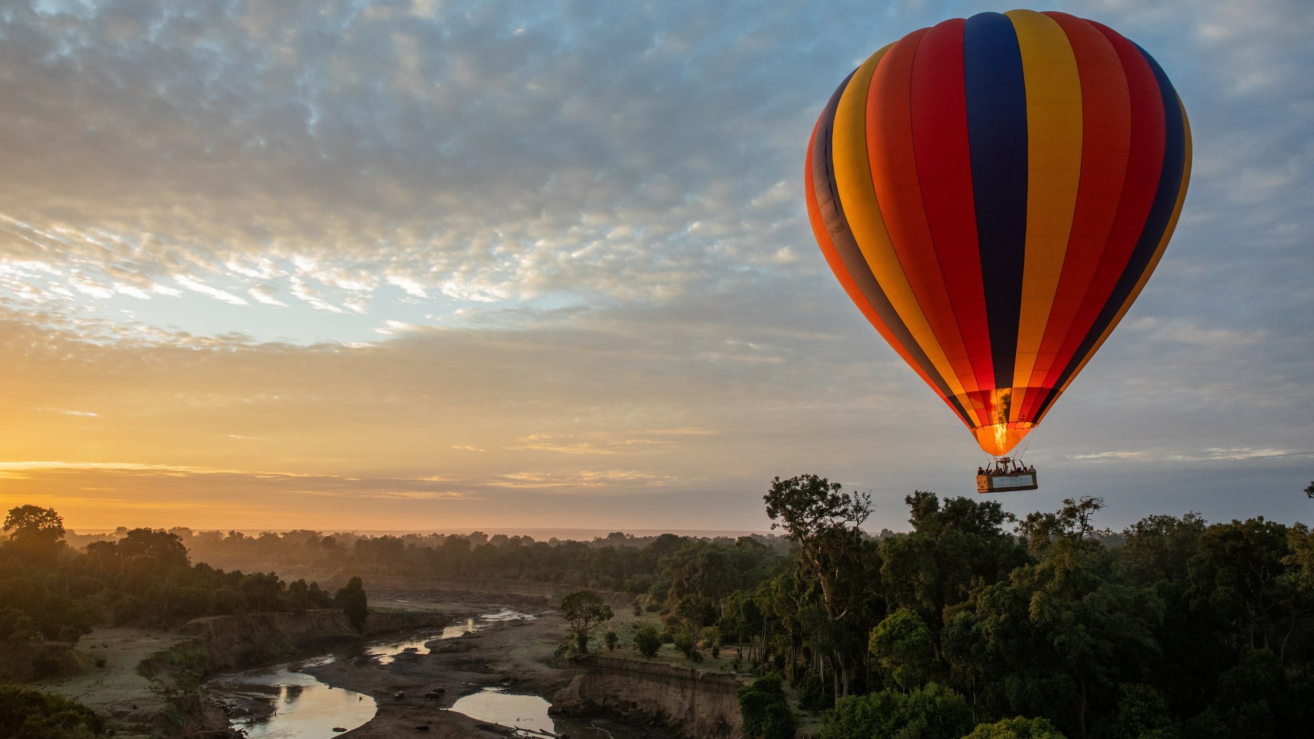 The Masai Mara is otherworldly from a balloon. © Wildlife Safari