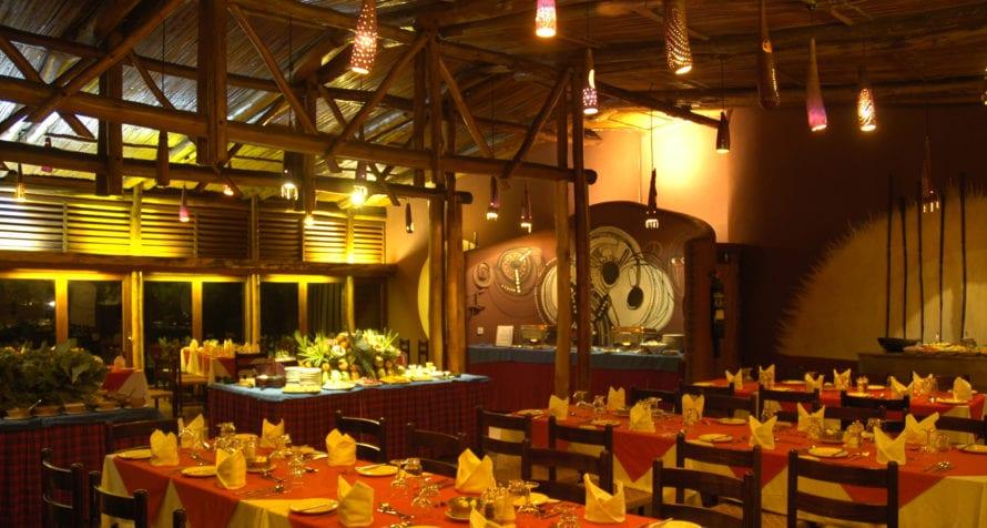 Dine communal style at Amboseli Serena Safari Lodge. © Serena Hotels