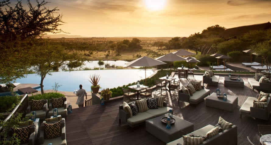 Expect the very best service at Four Seasons Safari Lodge. © Four Seasons