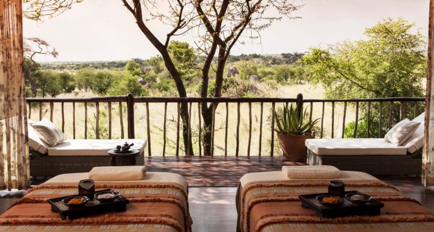 Spoil yourself to a spa treatment at Four Seasons Safari Lodge. © Four Seasons