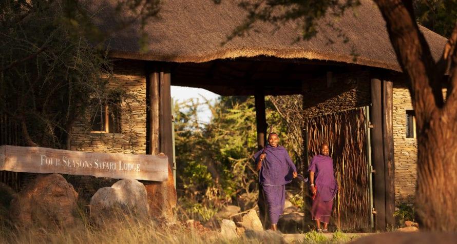 You'll always feel welcome at Four Seasons Safari Lodge. © Four Seasons